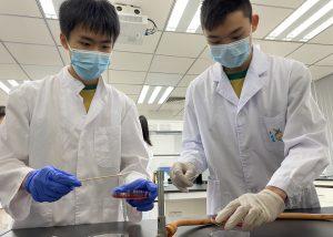 澳大健康科學學院為中學生舉辦科研探索活動